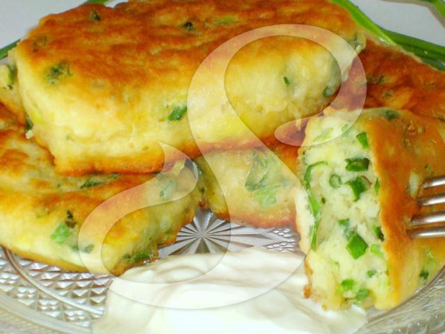 Как сделать с зеленым луком яйцом
